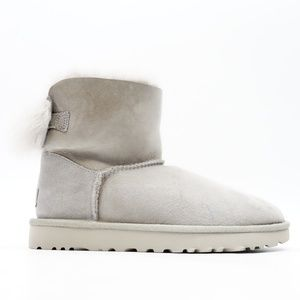 UGG Women's W Fluff Bow Mini Fashion Boots